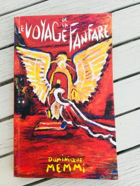 Couverture livre Le voyage de la fanfare